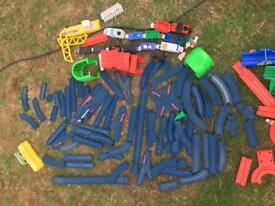 Tomy Train set | 3 battery operated engines | 76 pieces of track | Plus accessories