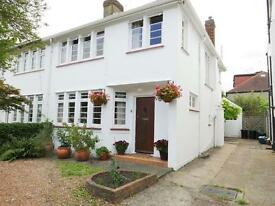 3 bedroom house in COURT WAY, NEAR TWICKENHAM STATION