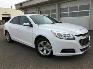 2015 Chevrolet Malibu 1LT ( Tinted Windows, Eco Mode, Auto Light