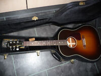 Gibson J45 2015 acoustic guitar - hardly used