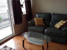 Double Room - Priv.Balcony+Livingroom - Stepney Green E1