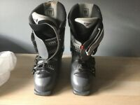Salomon kids ski boots size 25-25.5 uk 6