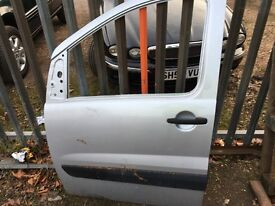 citreon dispatch / peugeot expert 2012+ passenger side front door
