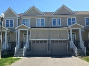 FABULOUS TOWNHOME NEAR DT & WATERFRONT! 802 Newmarket Ln