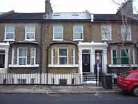 Charming & contemporary 3 bedrooms Maisonette at New Cross