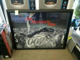 Poster & Frame - James Bond