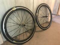 Mavic cosmic carbon wheel set less than 6 mouths old