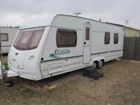 LUNAR LEXON 640 - TWIN AXLE - FIXED ISLAND BED