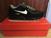 NIKE AIR MAX 90 TRAINERS - BRAND NEW WITH BOX! - LOOK BARGAIN!!