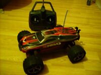rc traxxas e revo 1/16 brushless