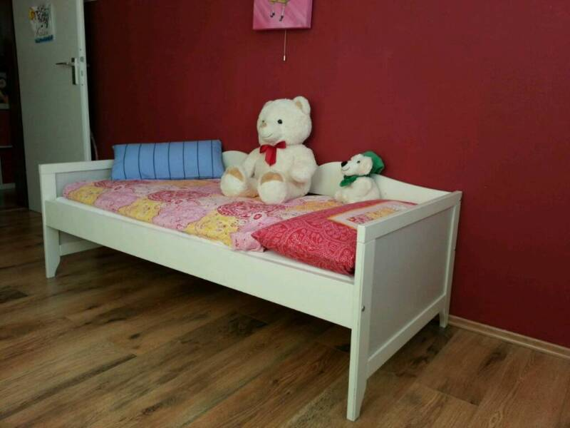 kinder bett von ikea in wandsbek hamburg rahlstedt babywiege gebraucht kaufen ebay. Black Bedroom Furniture Sets. Home Design Ideas