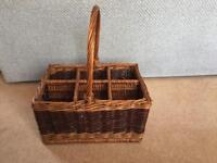Wicker wine basket 🍷