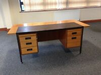 FREE DESK - NEEDS TO GO TODAY