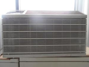 AIR CLIMATISE FRIEDRICH 13500 BTU / FRIEDRICH 13500 BTU  AIR CONDITIONER