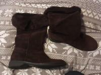 Women's brown suede boots size 6