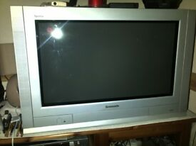 Panasonic 28 Inch Widescreen CRT TV with Remote