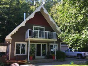 294 000$ - Maison à un étage et demi à vendre à Lac-Aux-Sabl