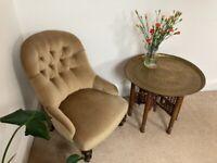 Antique Victorian button-back arm/nursing chair