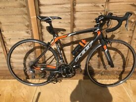 Felt Z6 54cm Road bike. Full carbon frame with internal wiring, used once! RRP £1400