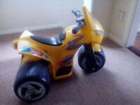 Battery powered kid motorcycle