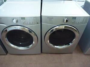 22- FRIGIDAIRE AFFINITY STEAM  Laveuse Secheuse Frontale Frontload Washer Dryer