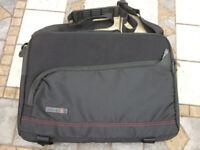 "Techair 13.3"" 2 in 1 Ultrabook™ / MacBook™ Polyester Sleeve / Bag / Case - Black - VGC (TAUBS003 v1)"