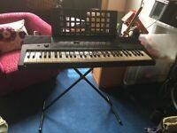 Yamaha PSR - 215 Electric Keyboard