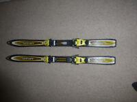 Head Junior carving skis