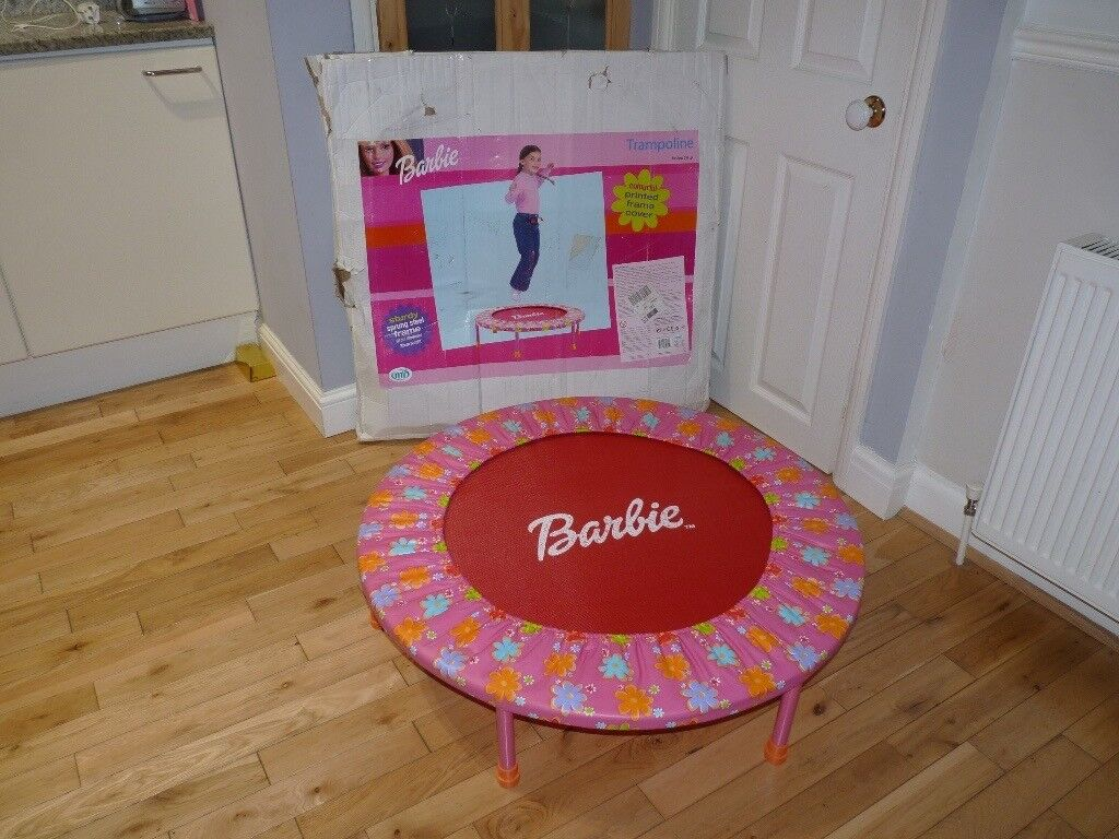 BARBIE TRAMPOLINE.GREAT CONDITION. IDEAL CHRISTMAS GIFT