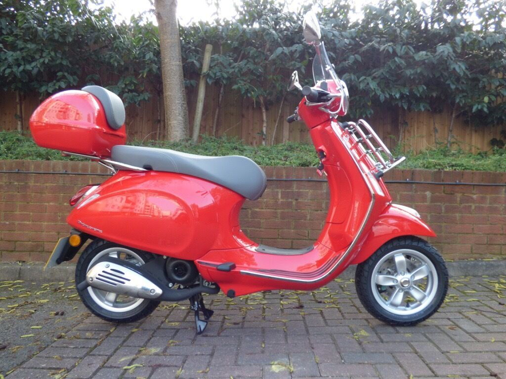 reduced 2016 piaggio vespa primavera 50 2t red delivery miles in purley london gumtree. Black Bedroom Furniture Sets. Home Design Ideas