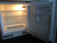 Siemens Undercounter integrated fridge