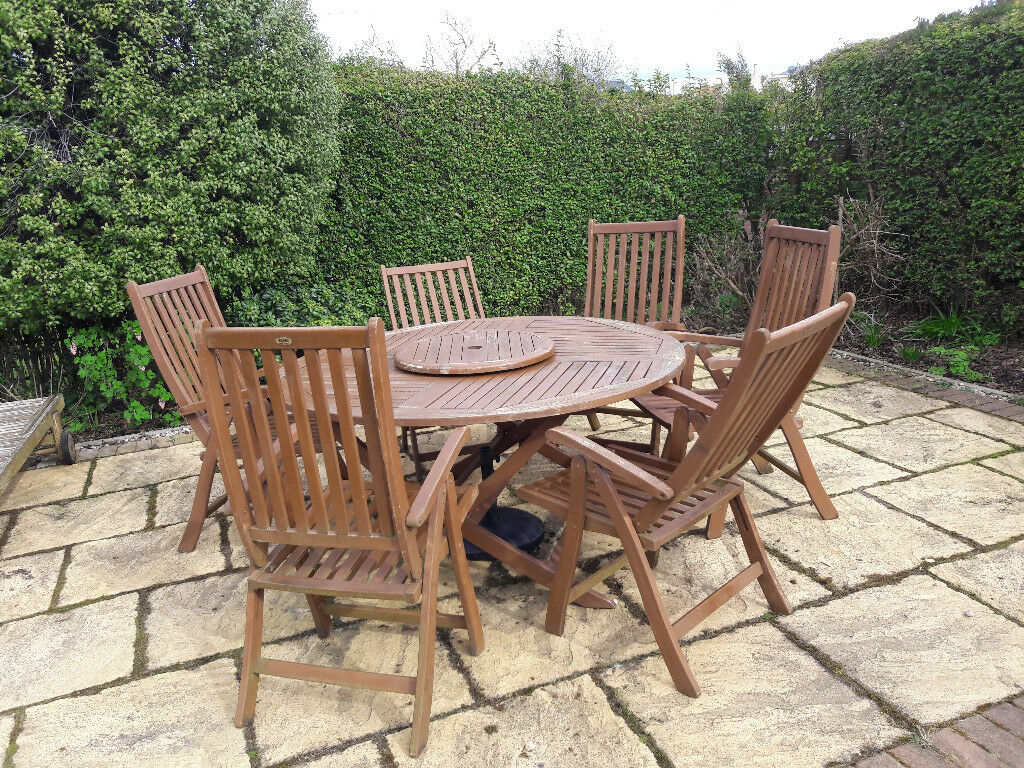 G4u round table and 6 high back chairs