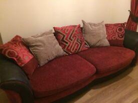Sofa 4 Seater Good Condition *****