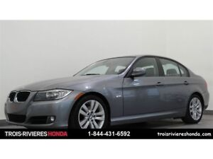 2011 BMW 3 Series 323i mags toit ouvrant cuir