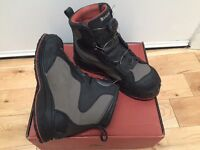 AS NEW Simms RiverTek BOA Wading Boots with Vibram Sole (UK 10 / EU 44)