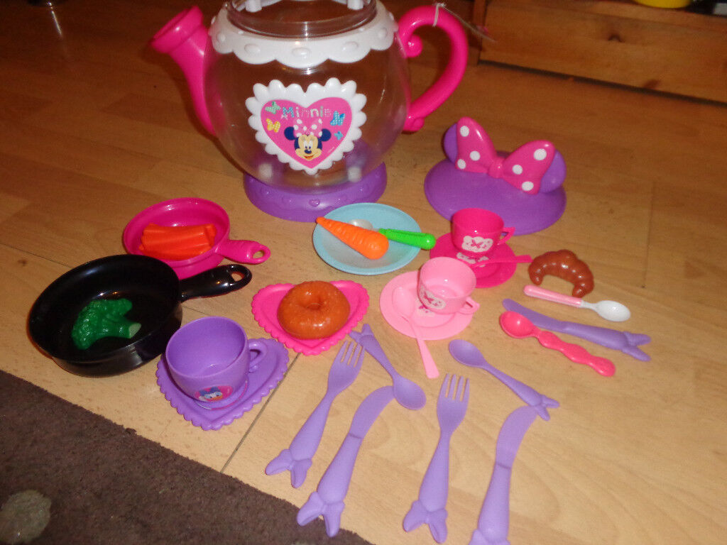 Disney Teapot with Teaset