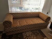 Sofa bed that can be changed to 1 single/2 single or aprox king size bed