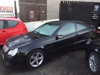 Mercedes C220 cdi Black. Excellent condition!! Just MOT and work done