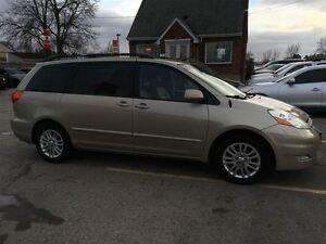 2008 Toyota Sienna XLE, Loaded; Leather, Alloys and More !!!! London Ontario image 5