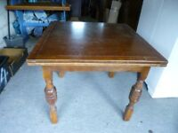Vintage/retro compact oak extending dining table & 4 matching chairs