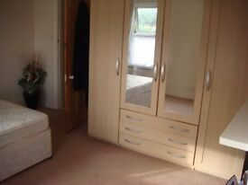 Stunning Double Room in Fabulous Cottage in East London