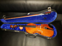 Skylark Violin 1/2 size childs violin fair condition includes rosin and bow