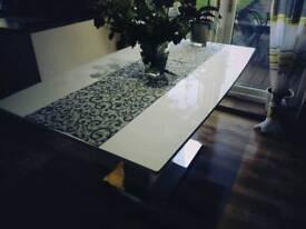 Extending dining table high gloss white