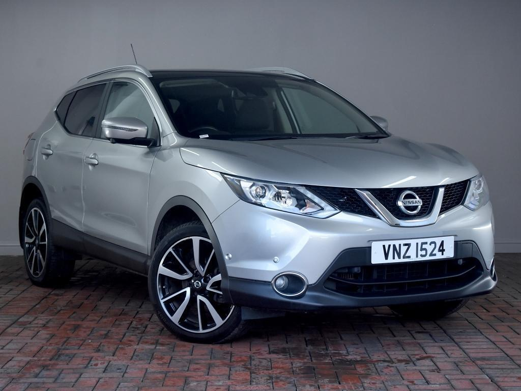 Nissan Qashqai 1 6 Dci Tekna 5dr 4wd Silver 2015 In