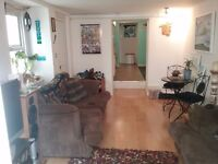 Two bedroom flat in Teignmouth town centre to rent, with garden and own entrance