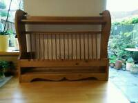 Wall mounted wooden plate rack