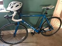 2 week old Carrera Zelos Road bike for sale