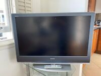 TV Sony Bravia 42 inches used with remote