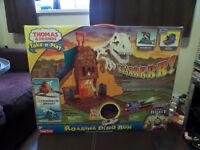 Thomas Take 'n' Play Roaring Dino Run