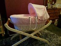 Clair de lund dimple/wicker mosesbasket